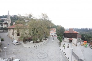 Yukarı Değirmendere Meydanı