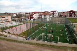 haber2-kartonsan okulu futbol basketbol sahası_