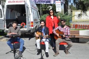Grup Kibrti şarkılarıyla herkesi büyüledi