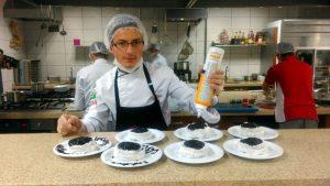 Beyaz Kalpler'de aşçılık ve servis elemanlığı yarışması (1)