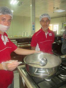 Beyaz Kalpler'de aşçılık ve servis elemanlığı yarışması (3)