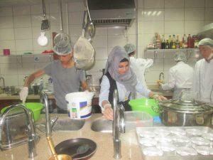 Beyaz Kalpler'de aşçılık ve servis elemanlığı yarışması (5)