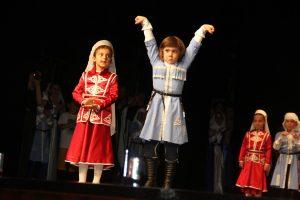 Amra Kafkas Halk Danslarç Gecesi (6)