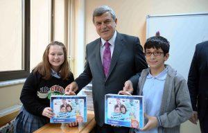 Başkan Karaosmanoğlu, çocukların sevincine ortak oldu