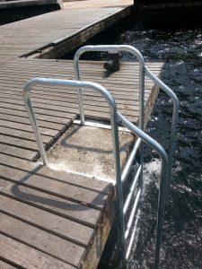 d-dere-iskelesine-1-adet-deniz-galveniz-kapli-merdiven-yapildi