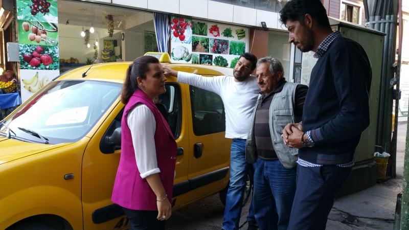 milletvekili-harriyet-ildaralen-taksicinin-durascndaki-mesai-arkadaularcna-taziye-ziyaretinde-bulundu