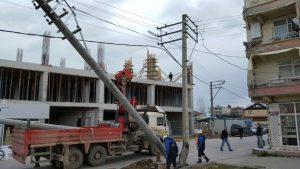 sahada-hasar-goren-tesislere-aninda-mudahale-ediliyor
